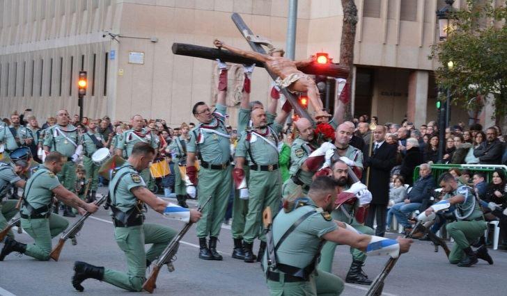 Un momento de la procesión del Santo Entierro de Albacete.