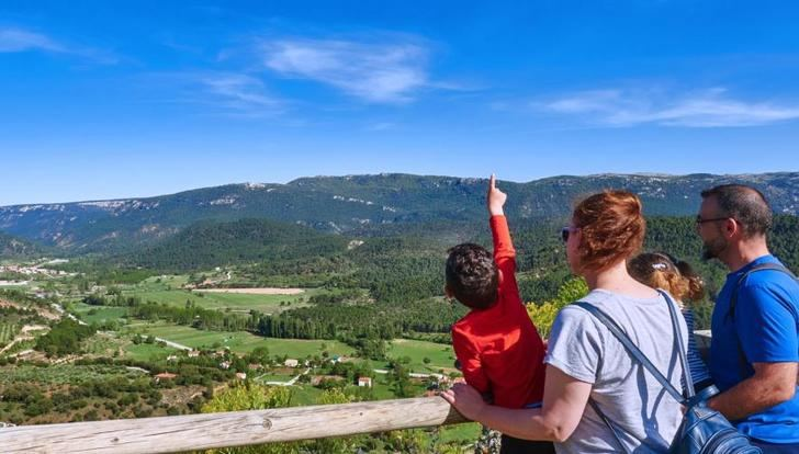 La Sierra del Segura presenta su Plan de Dinamización Turística en Madrid, en la oficina de la Junta