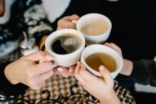 El consumo de té verde y café reduce el riesgo de nuevos eventos cardiovasculares tras un primer infarto o un ictus