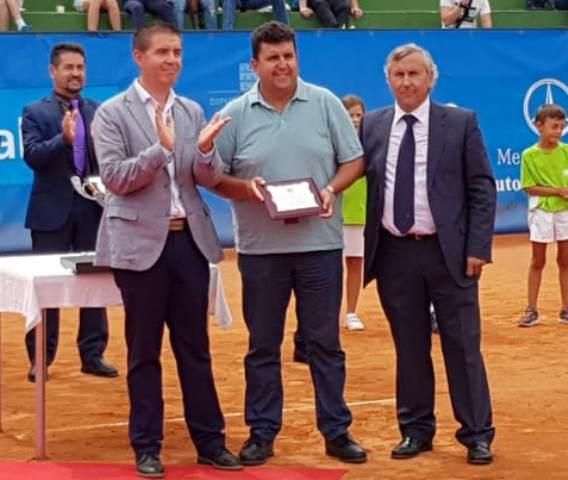 Juanma Esparcia, reconocido por el Club de Tenis Albacete