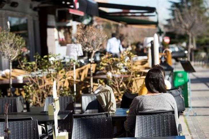 Los bares y restaurantes de Castilla-La Mancha permiten hasta 25 personas en grupo o el 75% del aforo general