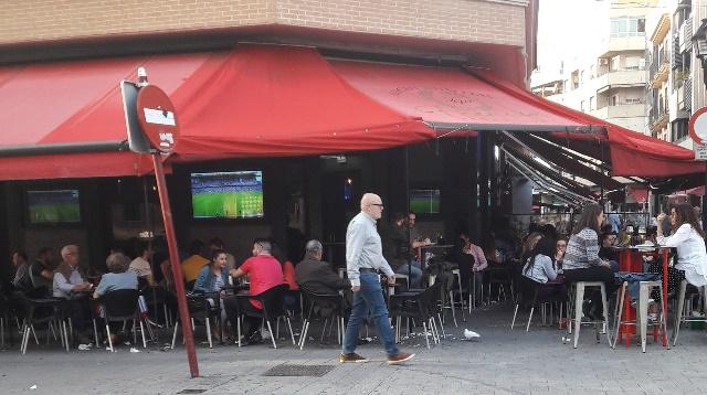 Imagen de archivo de una terraza en Albacete.
