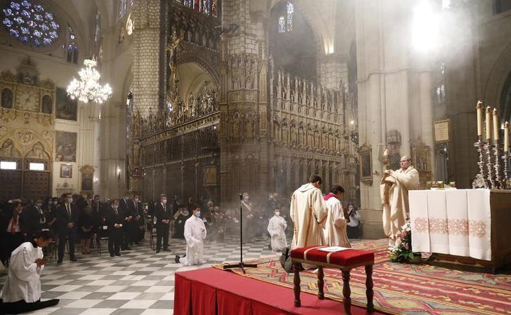Toledo vive su 'extraño' Corpus dentro de la Catedral y con la esperanza de celebrarlo de nuevo en sus calles en 2021