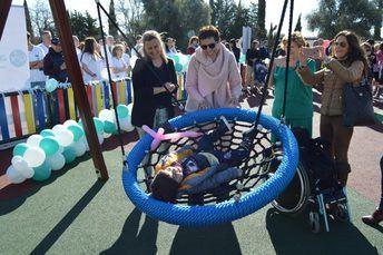 Un parque inclusivo en el Hospital de Parapléjicos de Toledo para jugar 'en igualdad de condiciones'