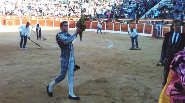 Toros. Diego Carretero demostró su torería en la corrida de la Feria de Hellín