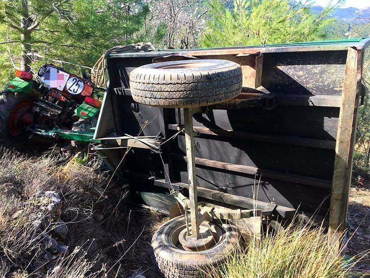 Un hombre muere tras quedar atrapado al volcar su tractor en una pedanía de Yeste (Albacete)