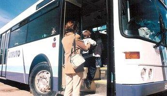Imagen de archivo de trasporte escolar.