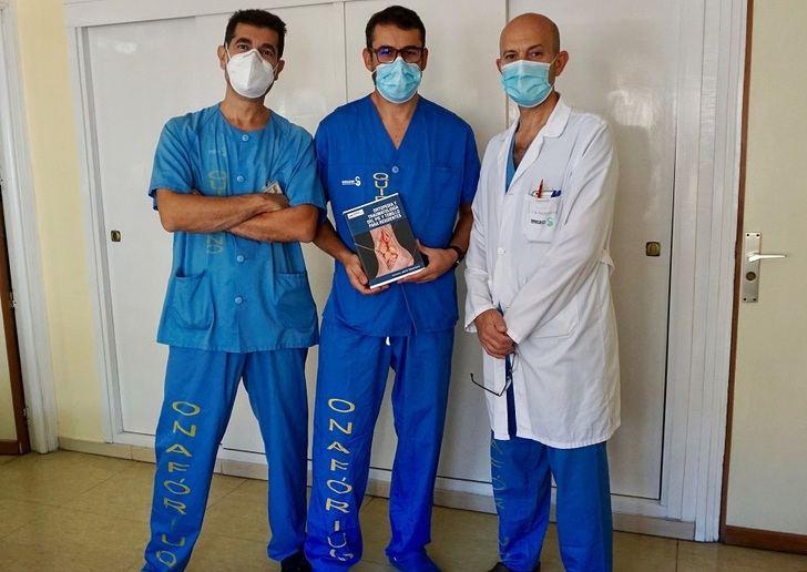 Traumatólogos del Hospital de Toledo publican un libro para residentes con patologías ortopédica de pie y tobillo