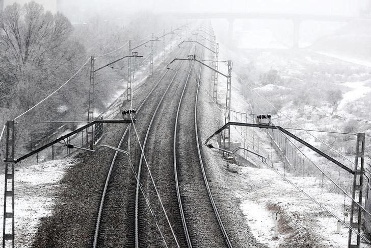 Renfe prevé retrasos para este martes en gran parte de su red por la congelación de algunas estructuras