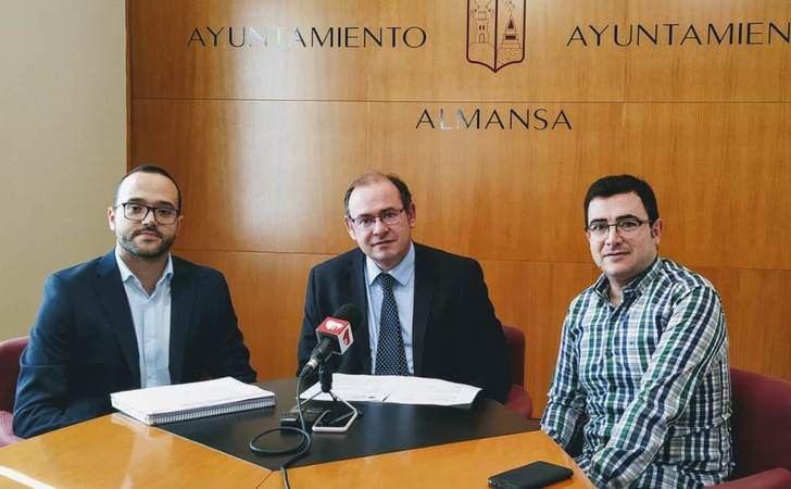 El arreglo del camino de la Garrabera, ya es realidad por la colaboración de la Diputación de Albacete y el Ayuntamiento de Almansa
