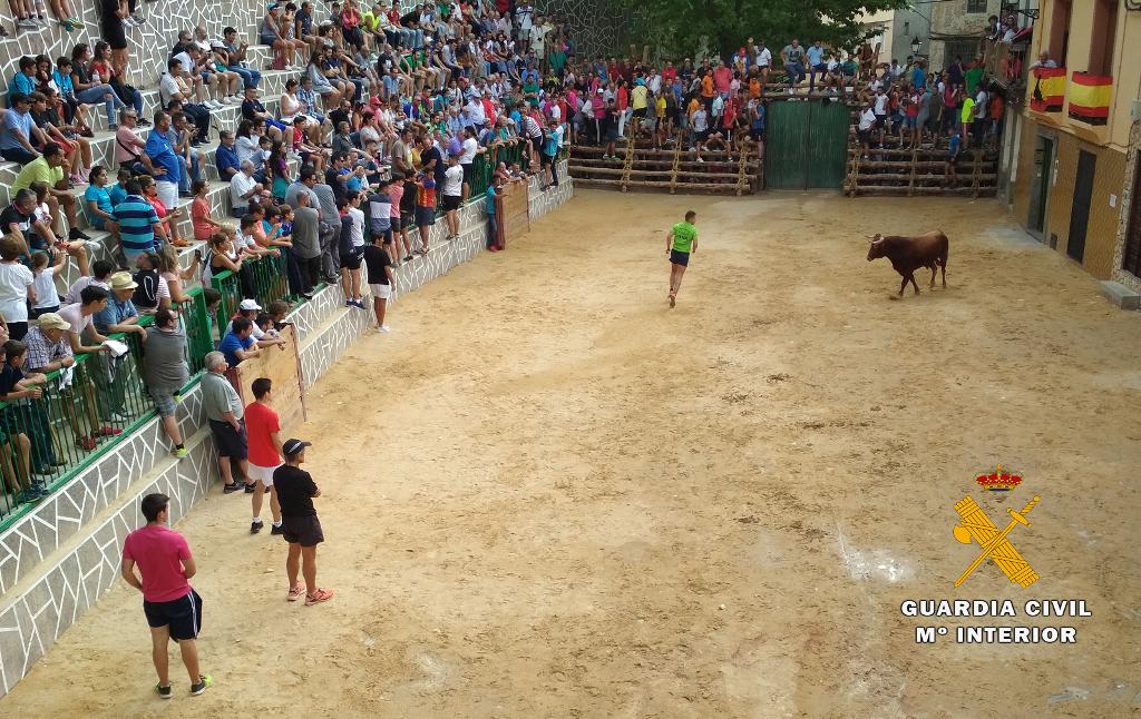 La Guardia Civil de Albacete recuerda las normas básicas para participar en los encierros y suelta de vaquillas