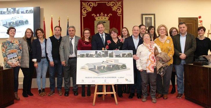 El Ayuntamiento de Albacete formaliza la cesión de una parcela a AFA para el nuevo dentro de atención a enfermos de Alzheimer