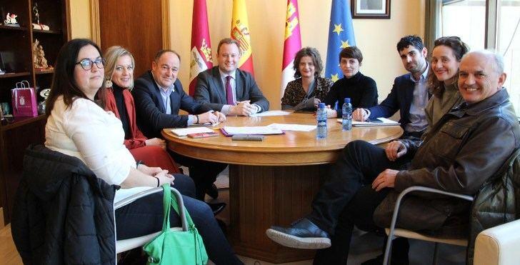 El Ayuntamiento de Albacete confirma a los vecinos que la Junta construirá un colegio público en el barrio de Medicina