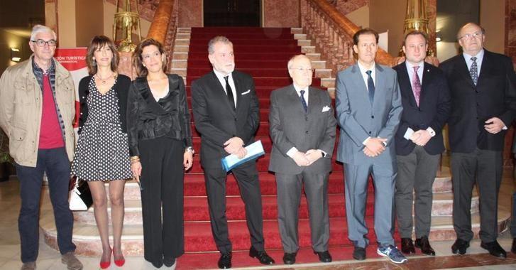 El Ayuntamiento Albacete rinde homenaje a Mariano de la Viña y al doctor Val-Carreres