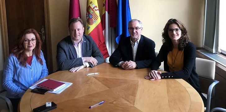 El Ayuntamiento de Albacete colabora económicamente con la Asociación de Esclerosis Múltiple