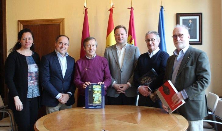 Reunión municipal en el Ayuntamiento con la Asociación Cultural de Albacete en Madrid