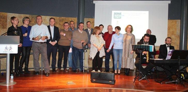 Casañ destaca el trabajo de los empleados municipales en el pregón del barrio de San Antonio Abad, en Albacete