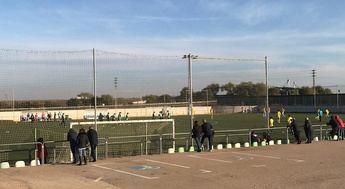 """El PP de Villarrobledo """"denuncia"""" el mal estado de la seguridad de los campos de fútbol de césped artificial"""