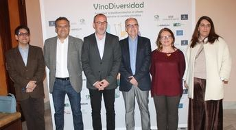 La jornada 'Vinodiversidad' se desarrolla en el Centro Cultural La Asunción de Albacete