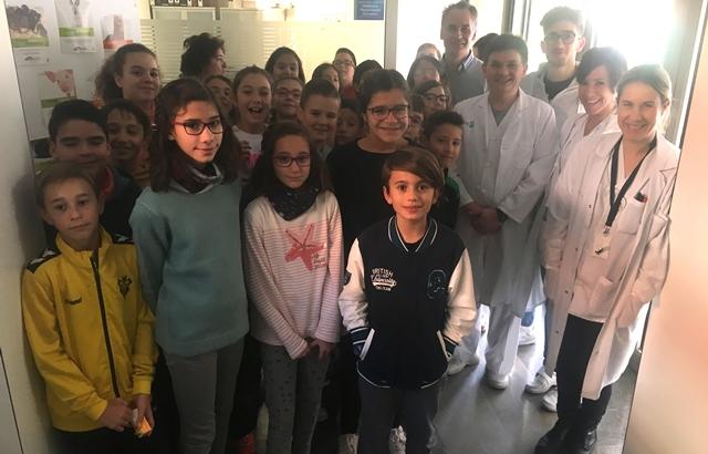 Alumnos del Colegio Público Parque Sur han realizado una visita al Hospital de Albacete