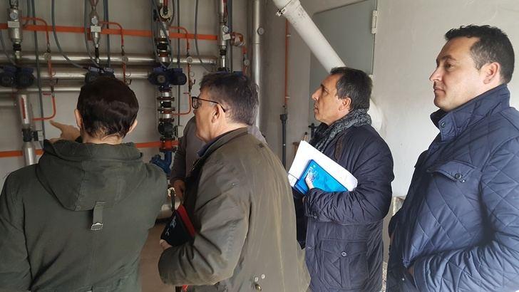 La Junta y el Ayuntamiento de Alcaraz (Albacete) analizan las necesidades de los centros educativos de la localidad