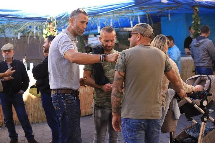 Los candidatos de VOX por Albacete, Rafael Lomana y Ana Muñoz visitan la feria de tradiciones de Yeste